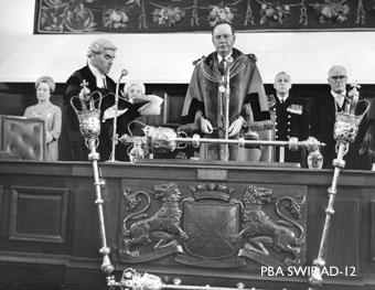 AD-12-1_Guildhall_Plymouth_Lord_Mayors_Ceremony_May_1967_SWiB.jpg